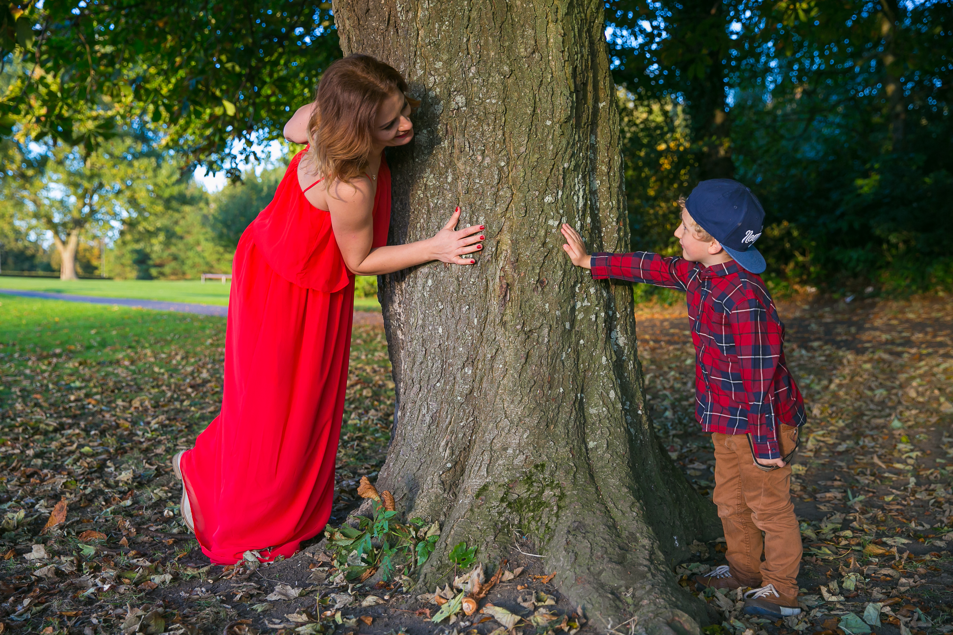 Happy Photography- Beautiful autumn session...mom with son