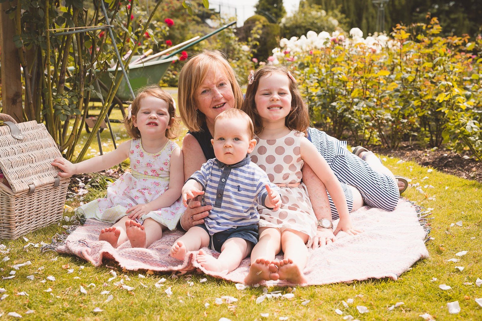 Happy Photography- Family session in Botanic Gardens